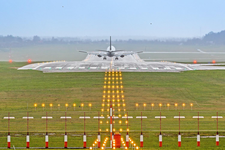 Gamtos išdaigos gali sutrukdyti lėktuvams leistis Vilniaus oro uoste