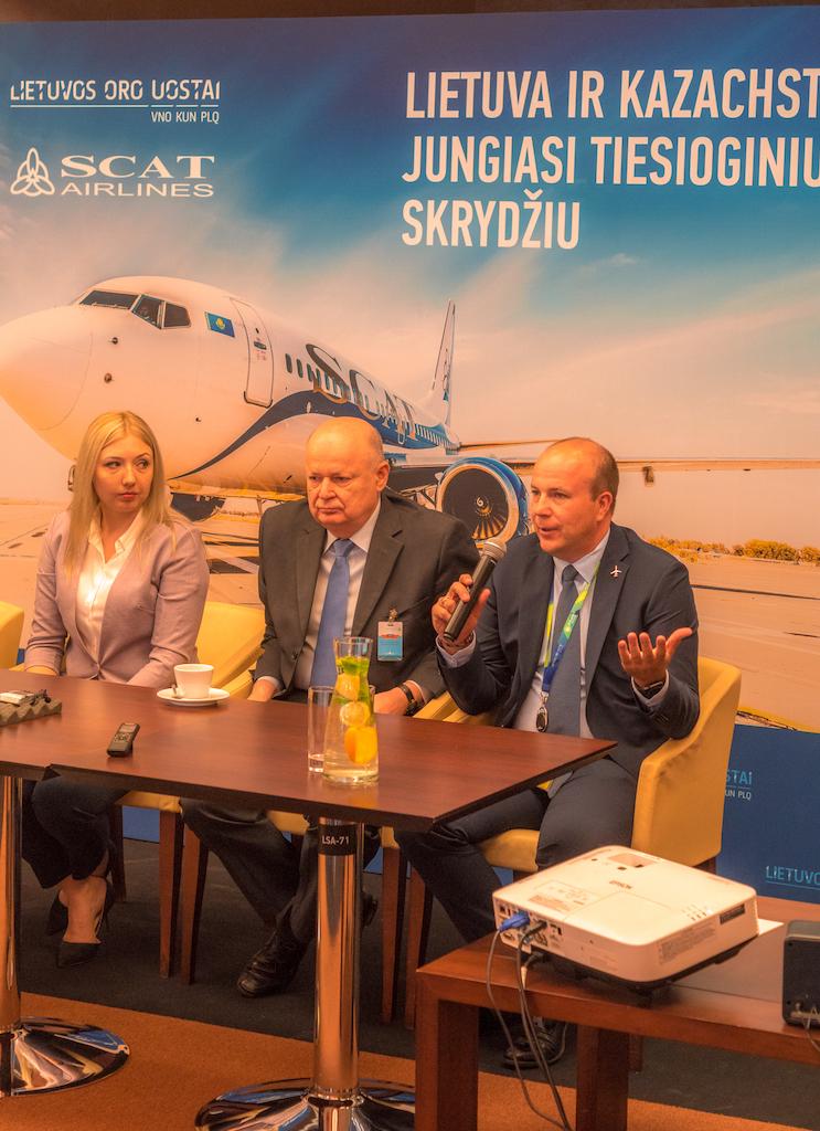 """Vilniuje nusileido pirmasis """"SCAT Airlines"""" lėktuvas iš Kazachstano"""