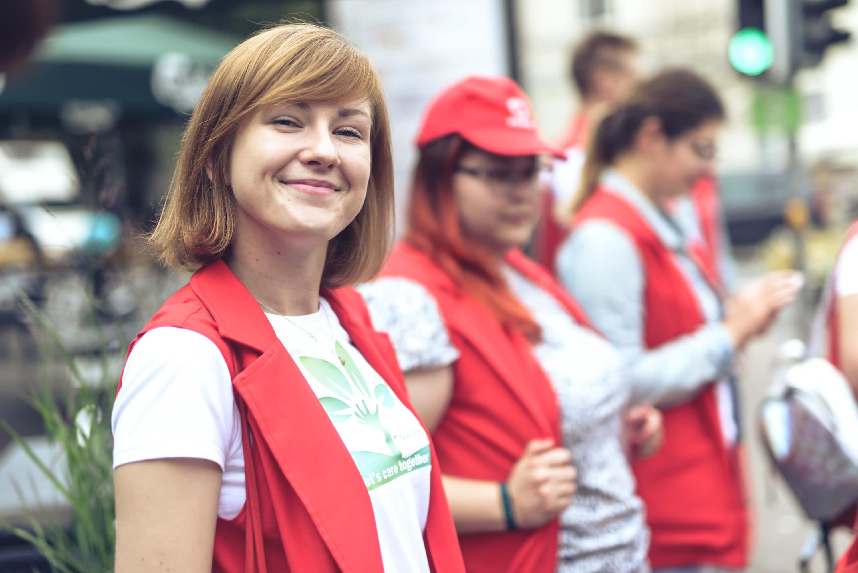 """""""Booking.com"""" darbuotojai papildė Vilniaus turizmo savanorių gretas"""