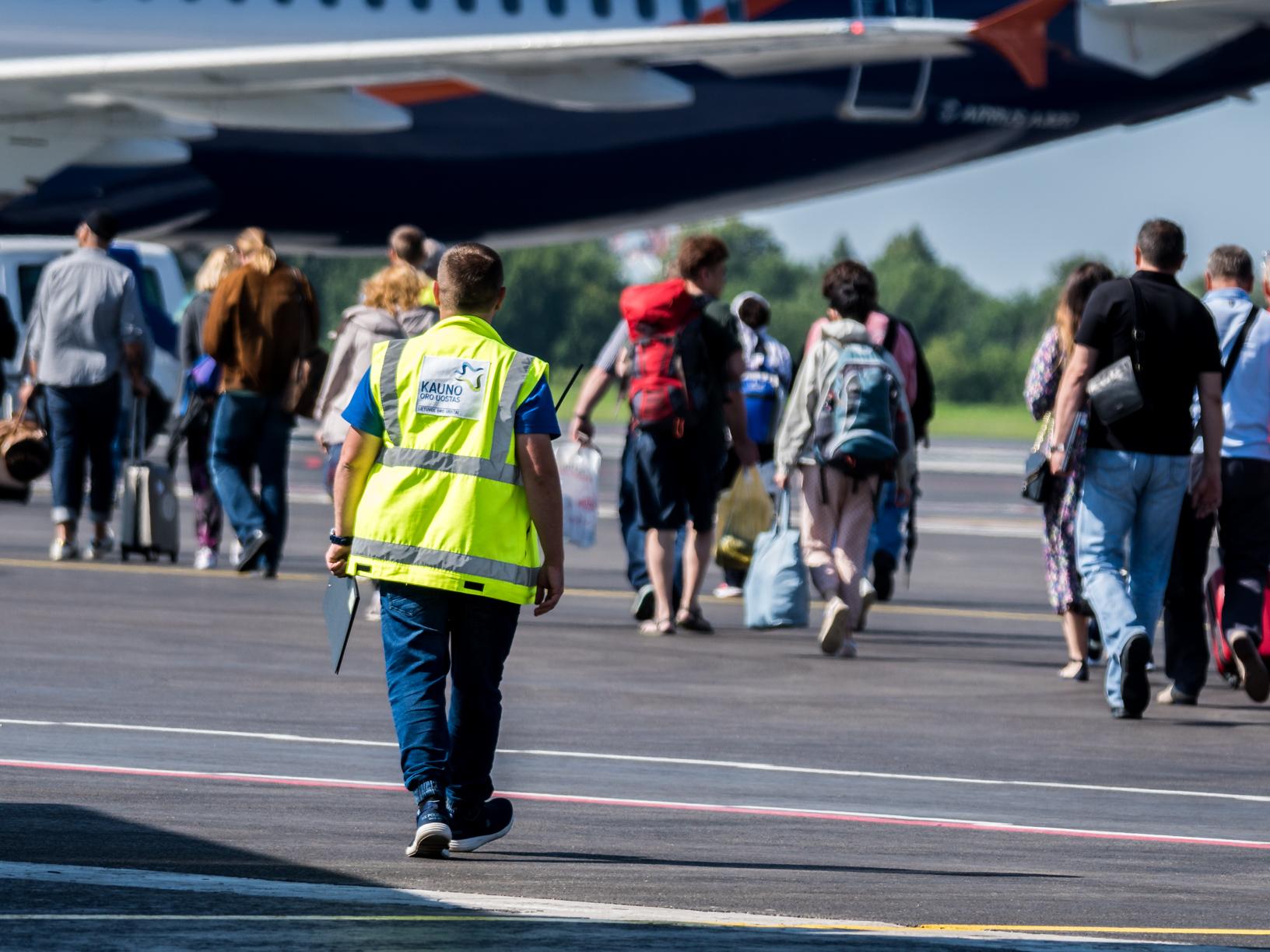 Lietuvos oro uostai pasiruošę šaltajam sezonui: keliautojams pristato net 8-ias naujas kryptis
