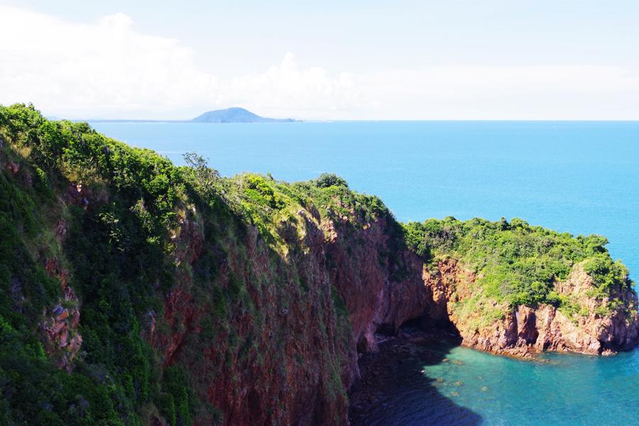 Koh Talu salą keliautojai dar tik atranda: vyksta sodinti koralų, rūpintis vėžliais ir išbandyti saulėlydžio kruizą