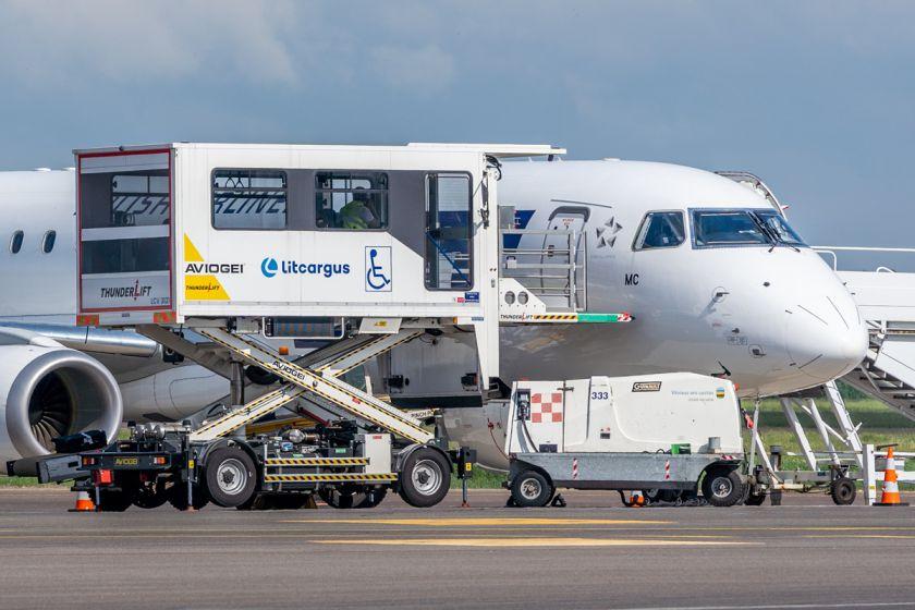 Ribotos judėsenos žmonių kelionės lėktuvu – ką svarbu žinoti?